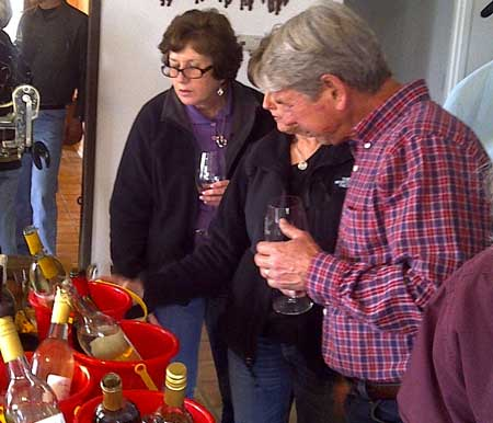 Blanc Du Bois Tasting at Saddlehorn Winery - Burton, Texas